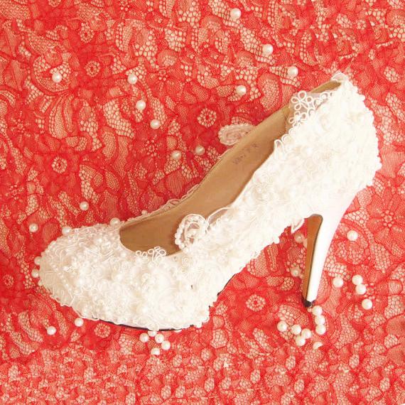 Dantelli İnci Gelin Ayakkabısı modeli 2014 İnci İşlemeli Gelin Ayakkabısı Modelleri