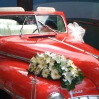 Kırmızı Klasik Düğün Arabası Modeli 200x200 2014 Farklı Düğün Arabası Modelleri