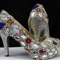 Taşlı ve İnci İşlemeli Gelin Ayakkabısı Modelleri 200x200 2014 İnci İşlemeli Gelin Ayakkabısı Modelleri