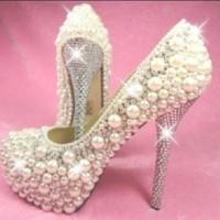 Zarif inci süslemeli ayakkabı modelleri 200x200 2014 İnci İşlemeli Gelin Ayakkabısı Modelleri