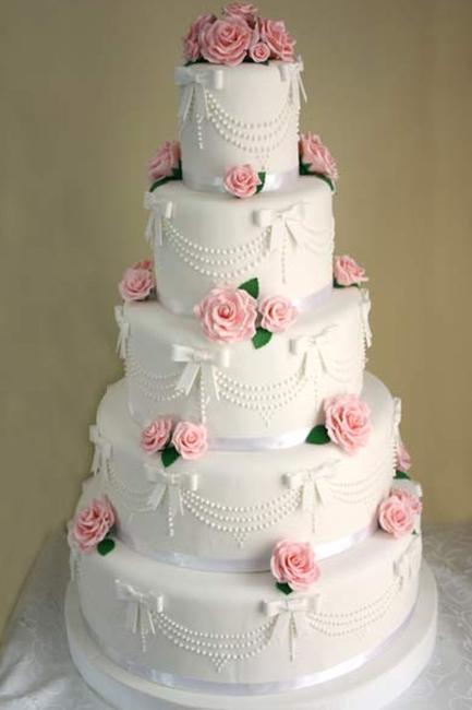 Çiçekli Katlı Düğün Pastası Modelleri