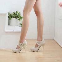 dantelli gelin ayakkabisi modelleri 2 200x200 Dantelli Gelin Ayakkabısı Modelleri
