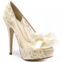 dantelli gelin ayakkabisi modelleri 3 200x200 Dantelli Gelin Ayakkabısı Modelleri
