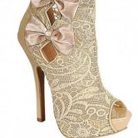 dantelli gelin ayakkabisi modelleri 7 200x200 Dantelli Gelin Ayakkabısı Modelleri