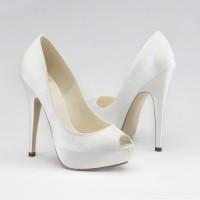 sade gelin ayakkabisi modelleri 1 200x200 Sade Gelin Ayakkabısı Modelleri