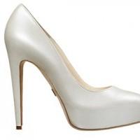 sade gelin ayakkabisi modelleri 3 200x200 Sade Gelin Ayakkabısı Modelleri