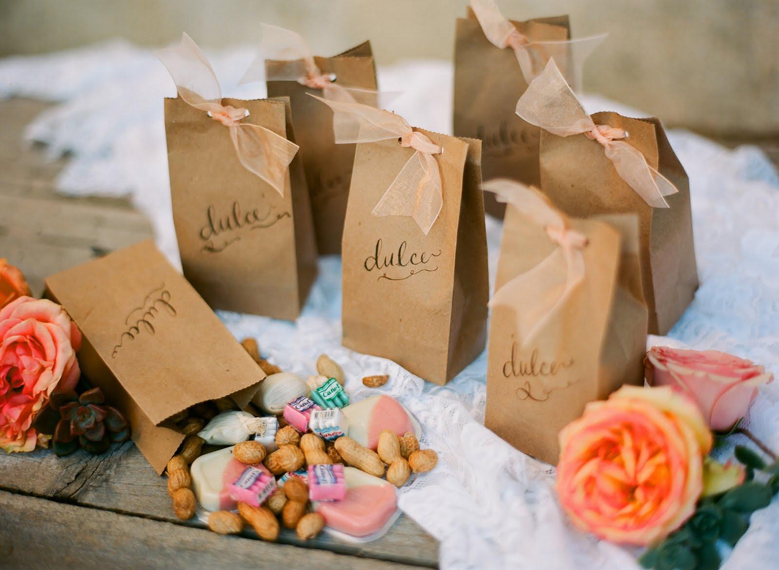 Подарки Идеи маленьких подарков для гостей на юбилее