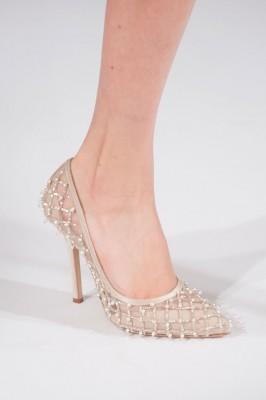 nisan ayakkabisi modelleri 1 266x400 Şık ve Sade Nişan Ayakkabıları