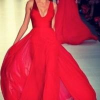 uzun nisan elbisesi modelleri 5 200x200 En Moda Uzun Nişan Elbisesi Modelleri