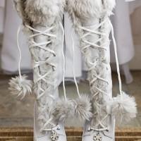 kışlık gelinlik ayakkabisi 5 200x200 Kış Gelinlerine Bot Modelleri