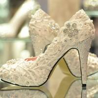 2015 gelin ayakkabilari modasi ve modelleri 8 200x200 2015 Gelin Ayakkabıları Modası ve Modelleri