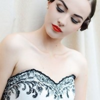 tarziniza uygun gelin makyaji trendleri 9 200x200 Tarzınıza Uygun Gelin Makyajı Trendleri