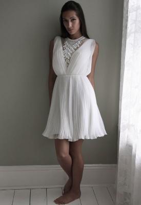 nikah icin elbise modelleri 14 275x400 Nikah İçin Elbise Modelleri
